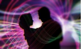Романтичный волгоградец сделал предложение руки и сердца возлюбленной на катке
